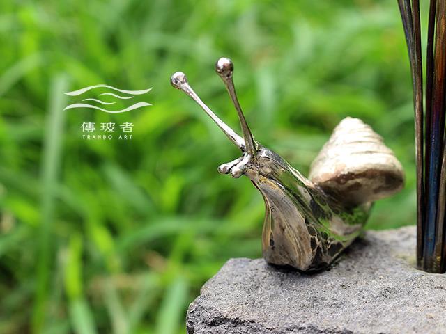 (蝸牛與銅菌菇-蝸牛特寫)2017年臺灣工藝競賽「美術工藝組」入選作品:菇芳共賞生態六件組