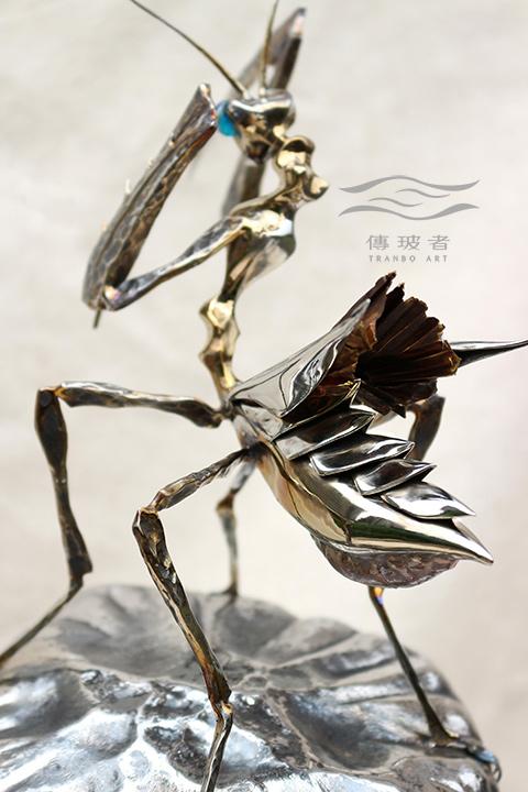(螳螂背部特寫)2017年臺灣工藝競賽「美術工藝組」入選作品:菇芳共賞生態六件組