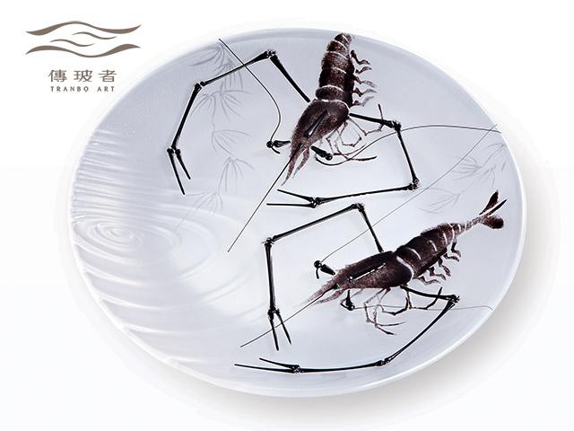 琉璃盤飾-墨蝦C款 直徑25cm 售價/個NT$20,000