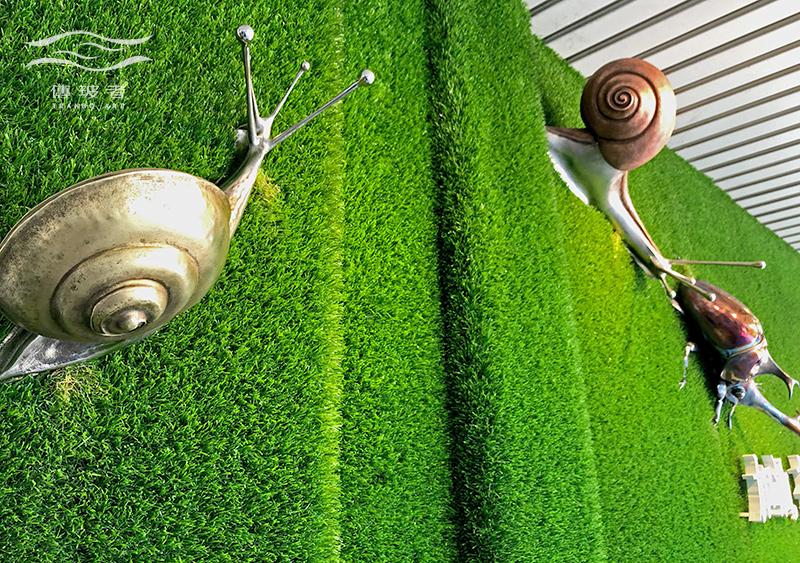 傳玻者打造「勝利加油站」藝術牆視覺元素-蝸牛