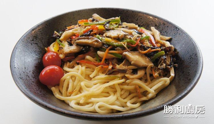 勝利廚房-鮮菇乾拌麵