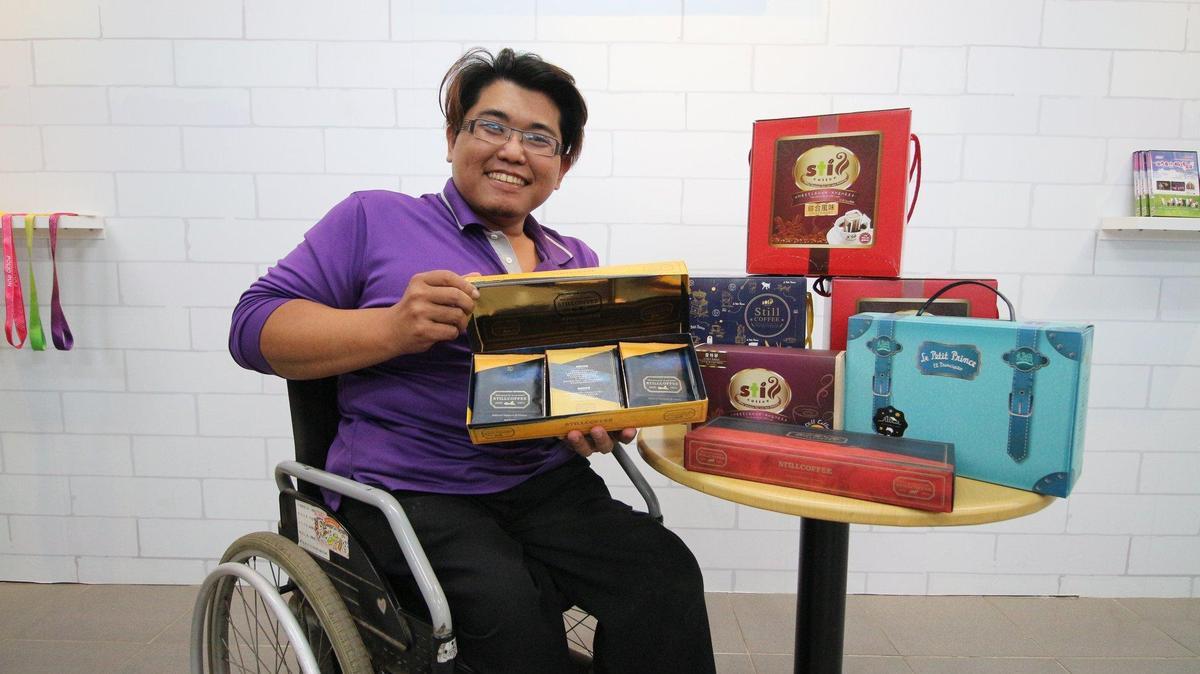 彰化小兒麻痺關懷協會一站式咖啡。(頂新和德文教基金會提供)
